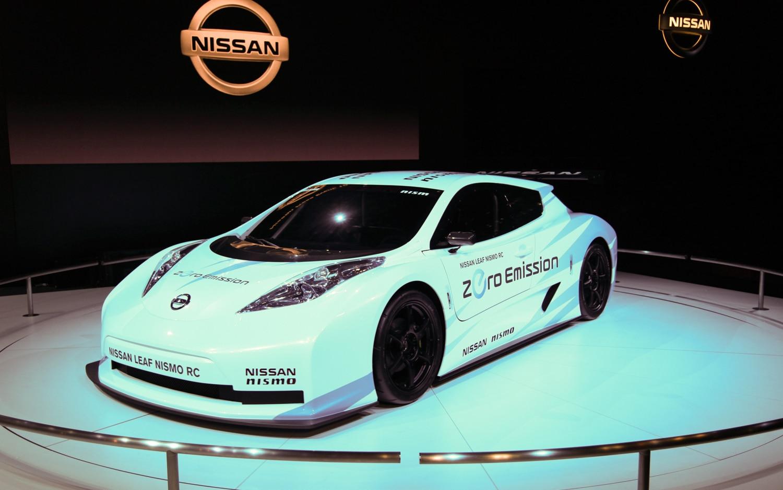 Nissan Leaf Nismo RC Front Three Quarter1