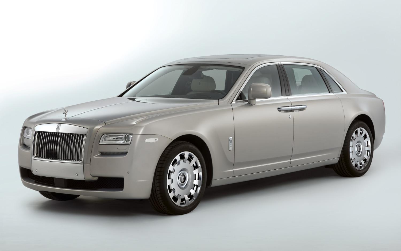 Rolls Royce Ghost Ewb Front Three Quarter1