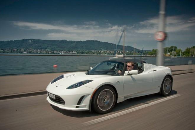 Tesla Roadster Side Shot1 660x439