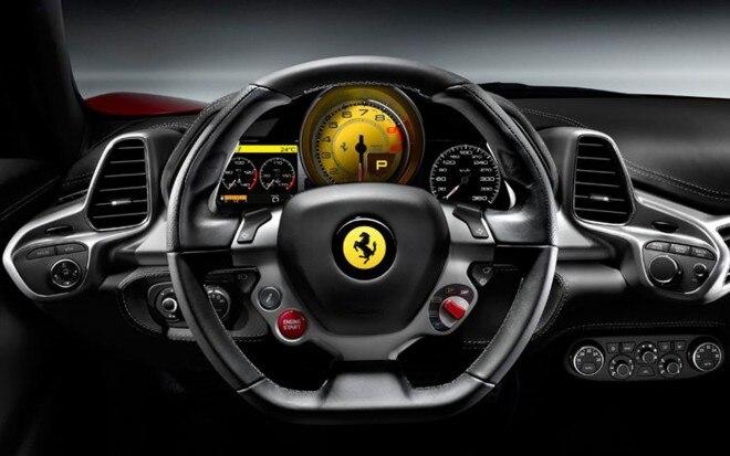 2010 Ferrari 458 Italia Cockpit1 660x413
