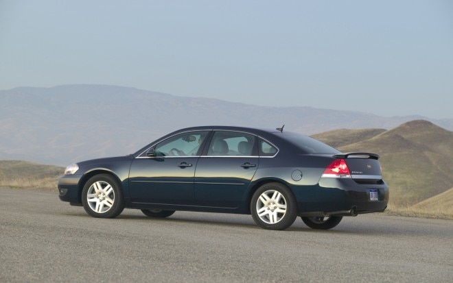 2011 Chevrolet Impala Side View1 660x413