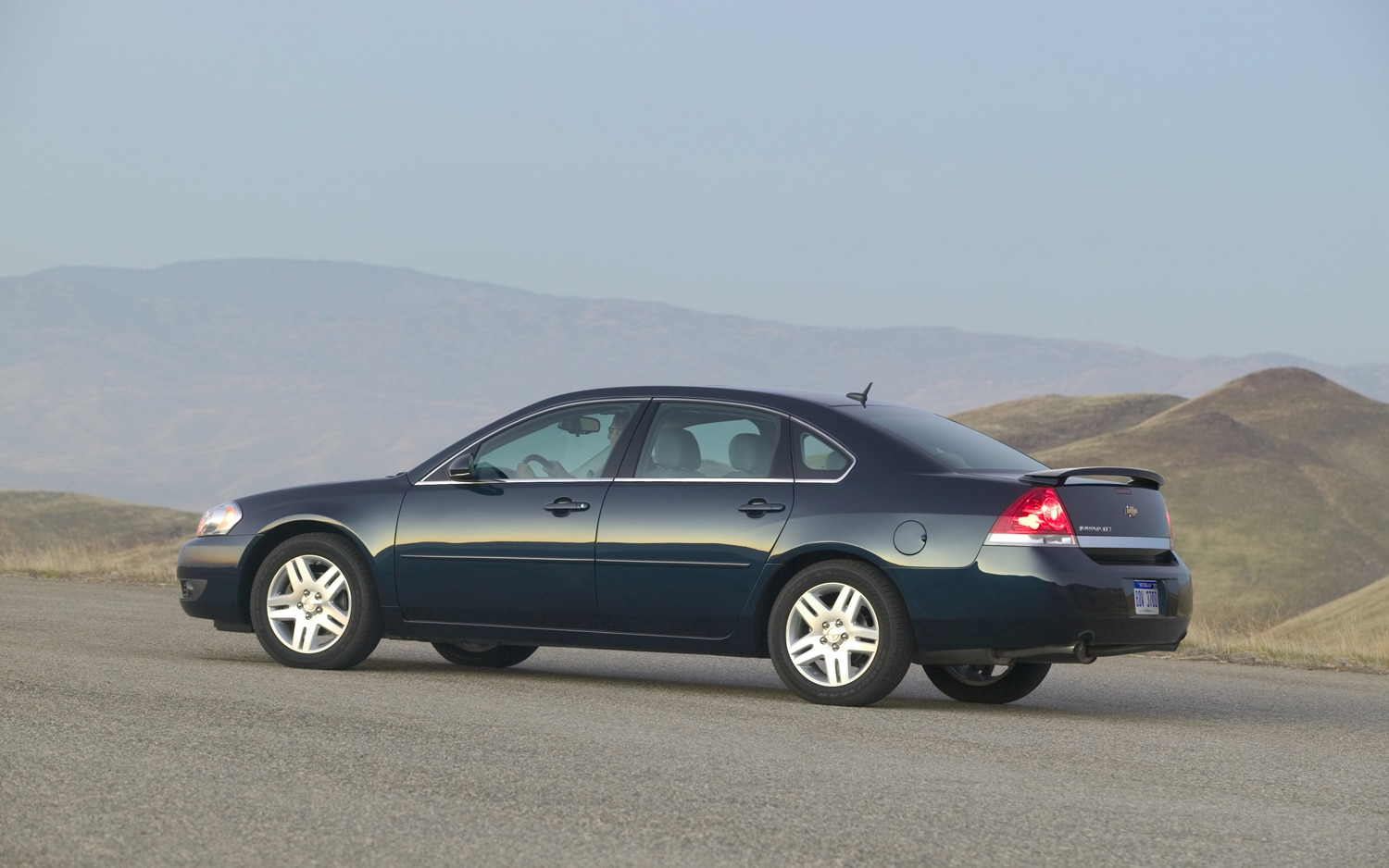 2011 Chevrolet Impala Side View1