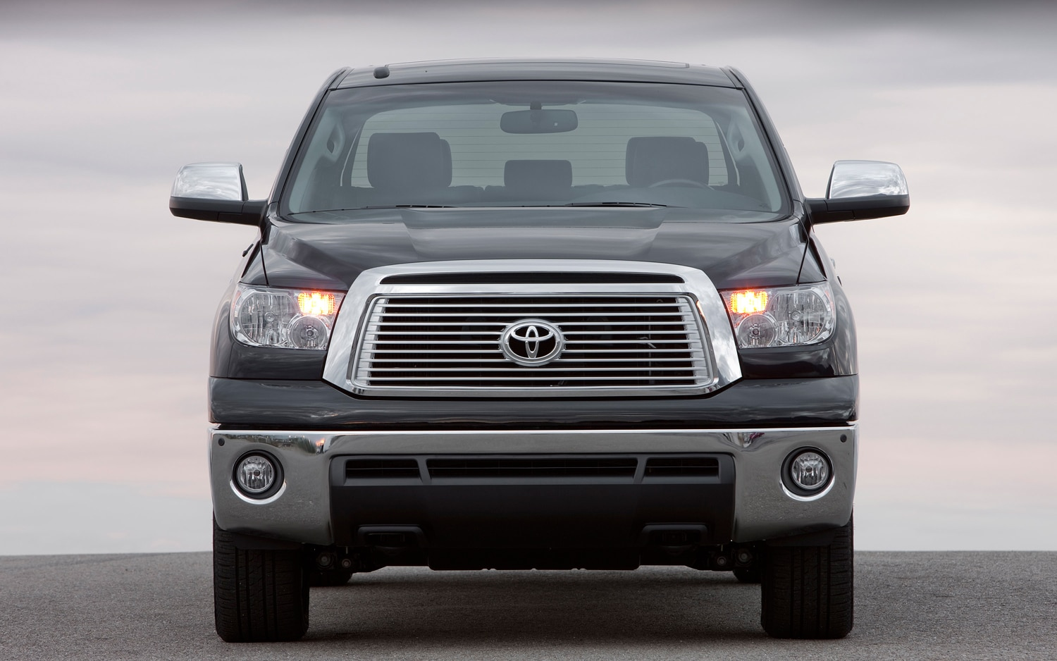 2011 Toyota Tundra Front View1