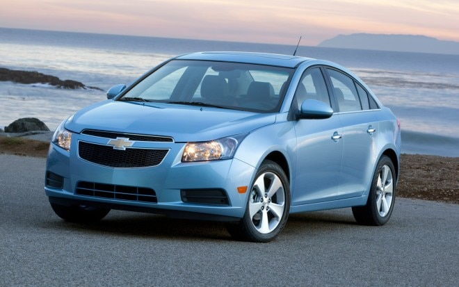 2011 Chevrolet Cruze Ltz Front Three Quarter1 660x413