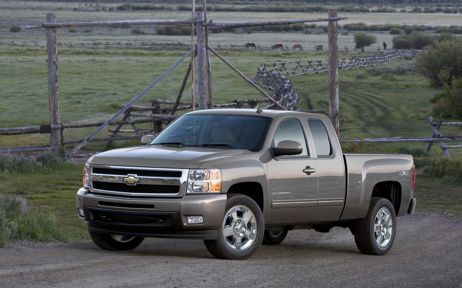 2011 Chevrolet Silverado Ltz Front Three Quarter