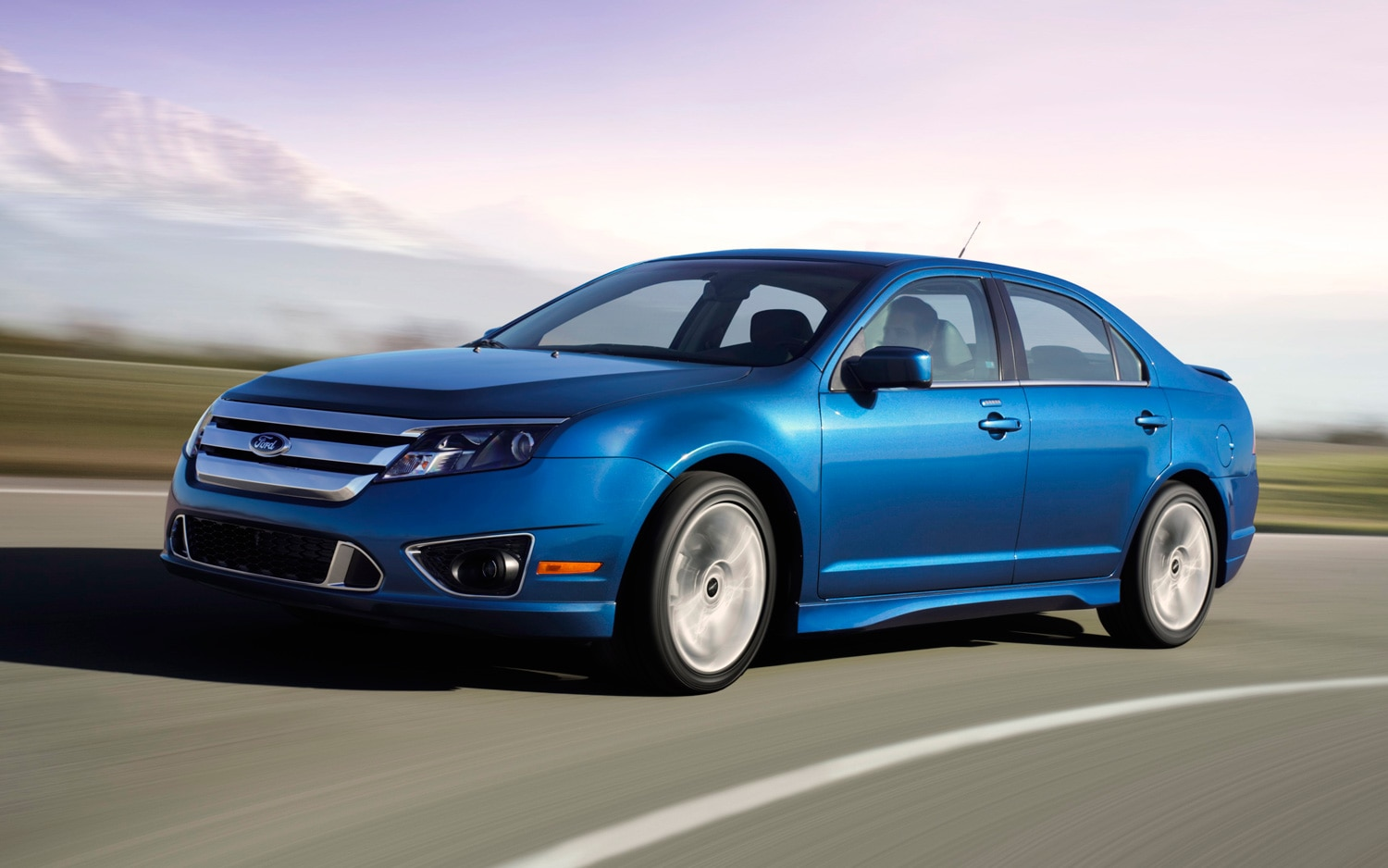 2011 Ford Fusion Sport Front View1
