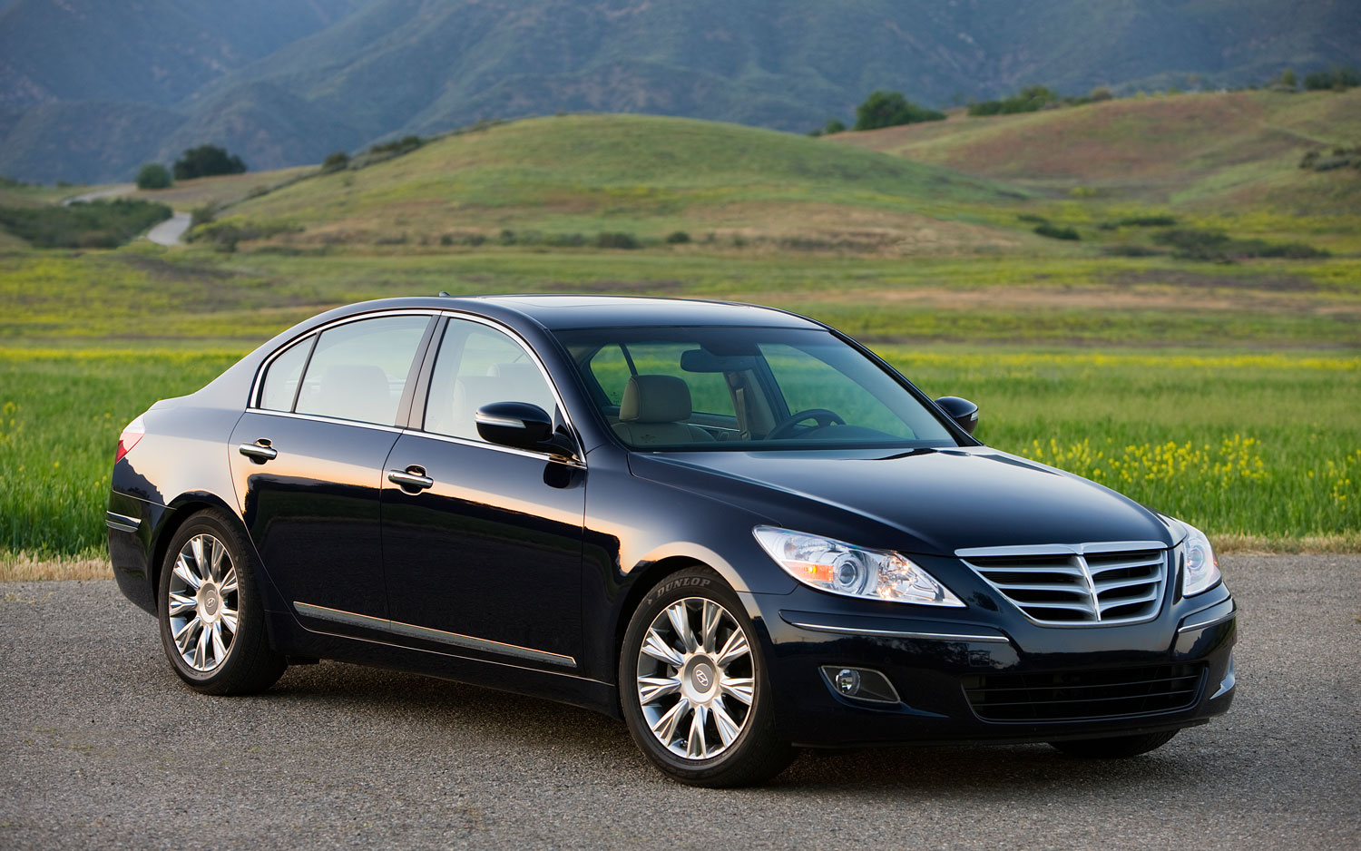 2011 hyundai genesis sedan 4 6 editors 39 notebook. Black Bedroom Furniture Sets. Home Design Ideas
