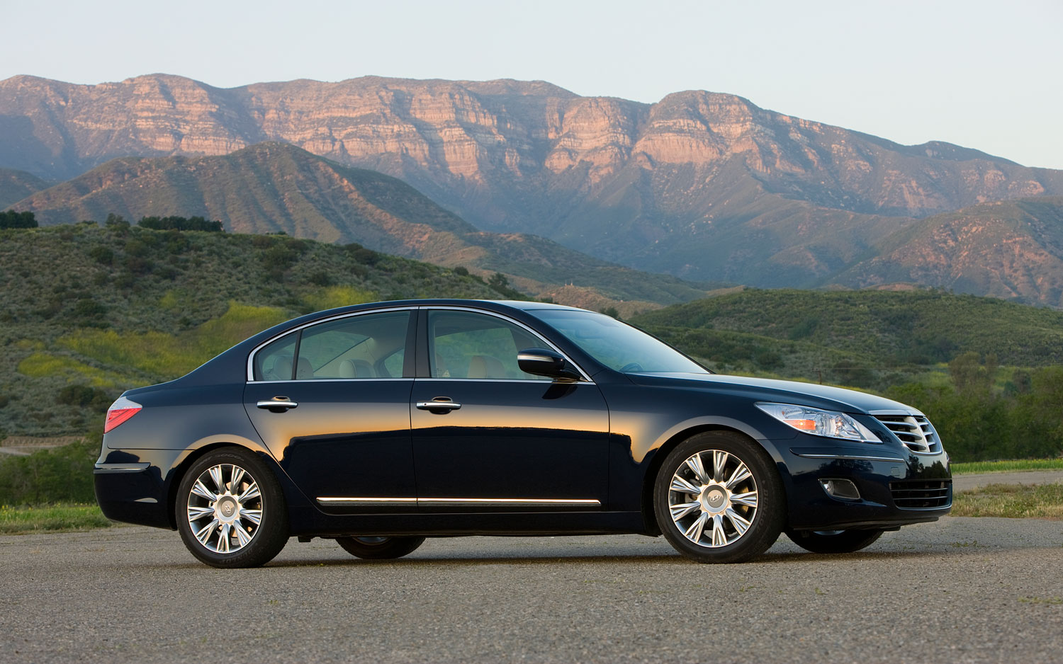 2011 Hyundai Genesis Sedan 4 6 Editors Notebook