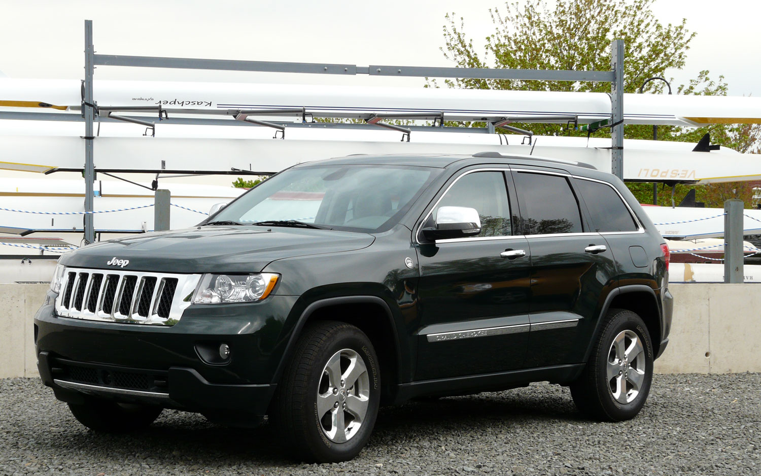 2011 Jeep Grand Cherokee Overland 4x4 Front Left Side View
