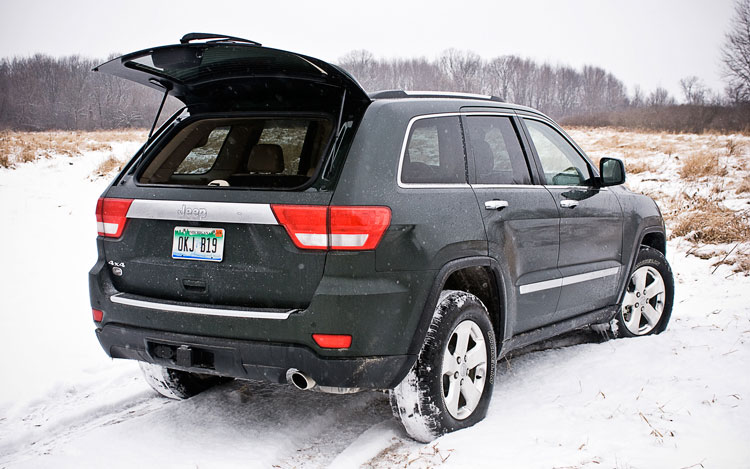 2011 jeep grand cherokee overland 4x4 april 2011 update automobile magazine. Black Bedroom Furniture Sets. Home Design Ideas