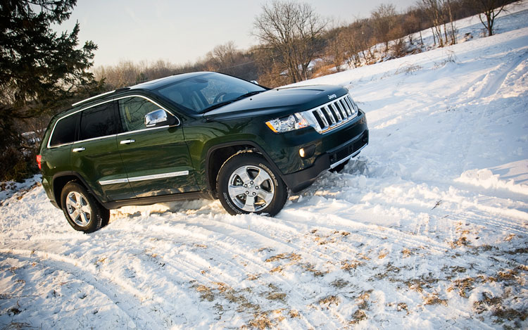 2011 Jeep Grand Cherokee Overland 4x4 Right Side View