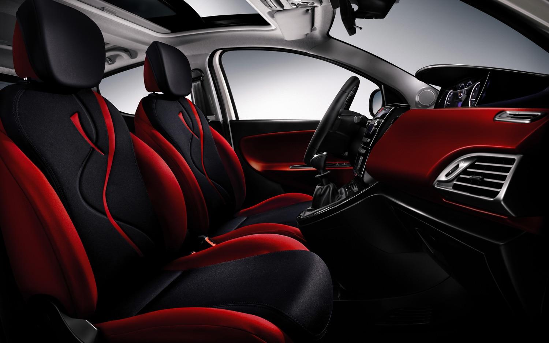 http://st.automobilemag.com/uploads/sites/11/2011/05/2011-lancia-ypsilon-interior-view.jpg