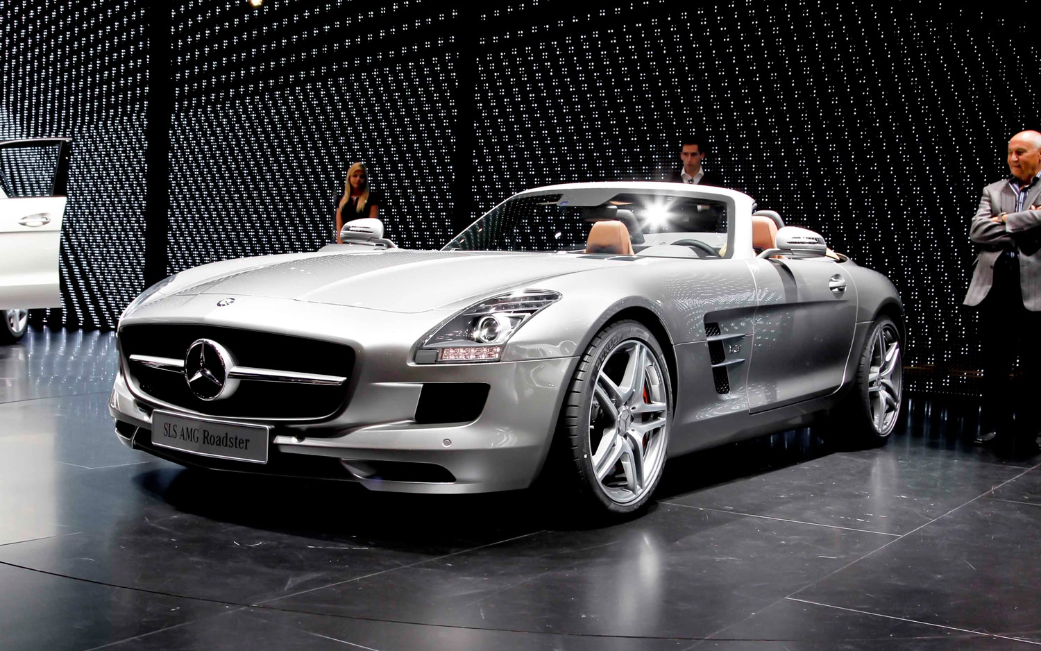 2012 Mercedes Benz SLS AMG Roadster Front Three Quarters1