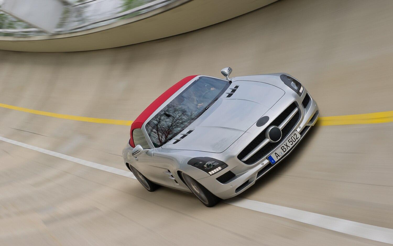 2012 Mercedes Benz Sls Amg Roadster Front Track1