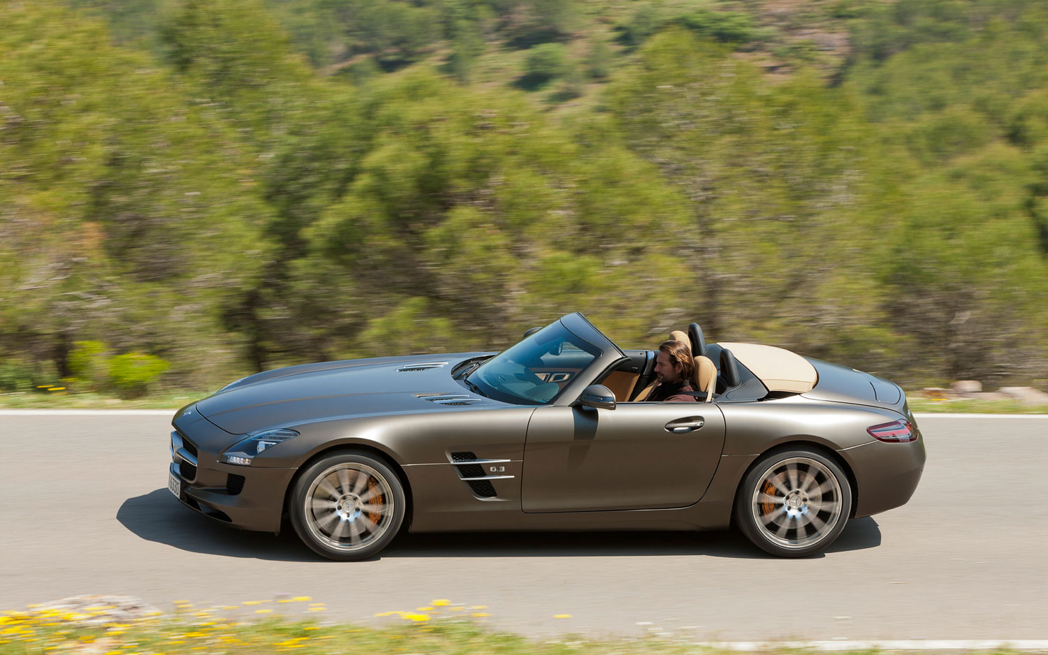 2012 mercedes benz sls amg roadster first look for 2012 mercedes benz sls amg