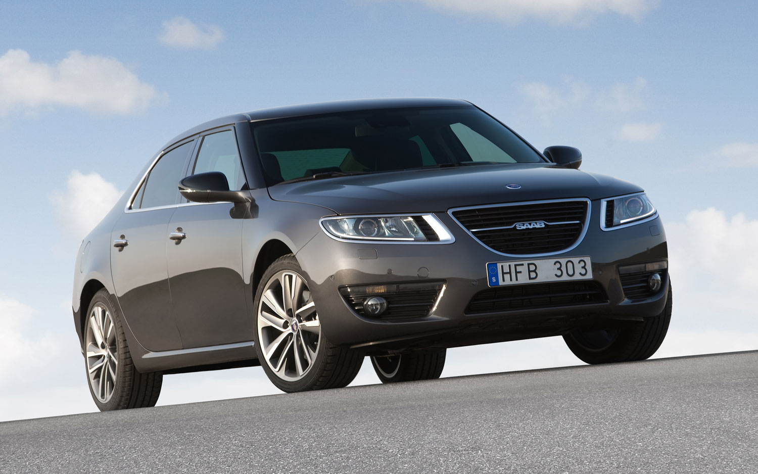 2012 Saab 9 5 Sedan Front Three Quarter1