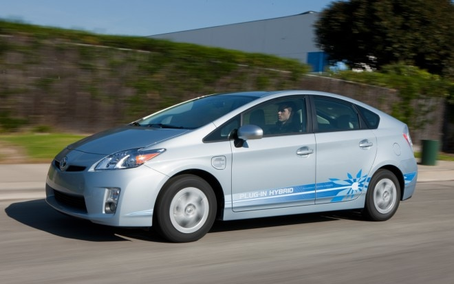 2012 Toyota Prius Plug In Profile 660x413