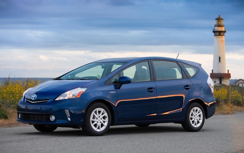 2012 Toyota Prius V Driver Front Three Quarter Blue