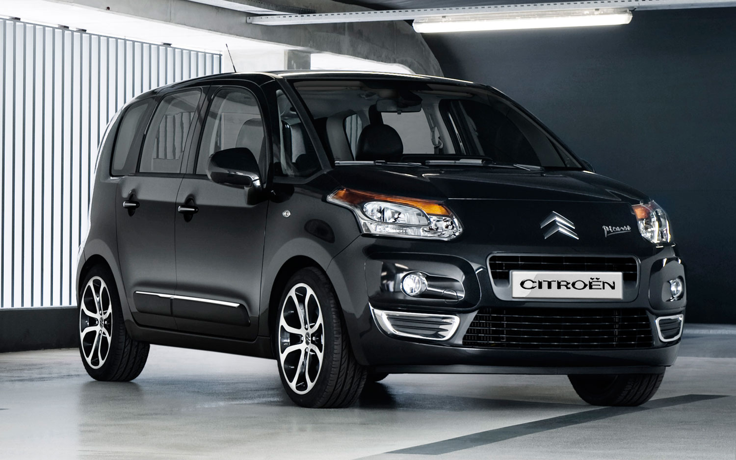 recall u k market citroen c3 picasso has unusual braking problem. Black Bedroom Furniture Sets. Home Design Ideas