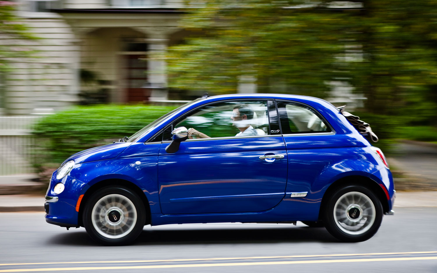 Fiat 500 Cabrio Blue Left Side View Motion