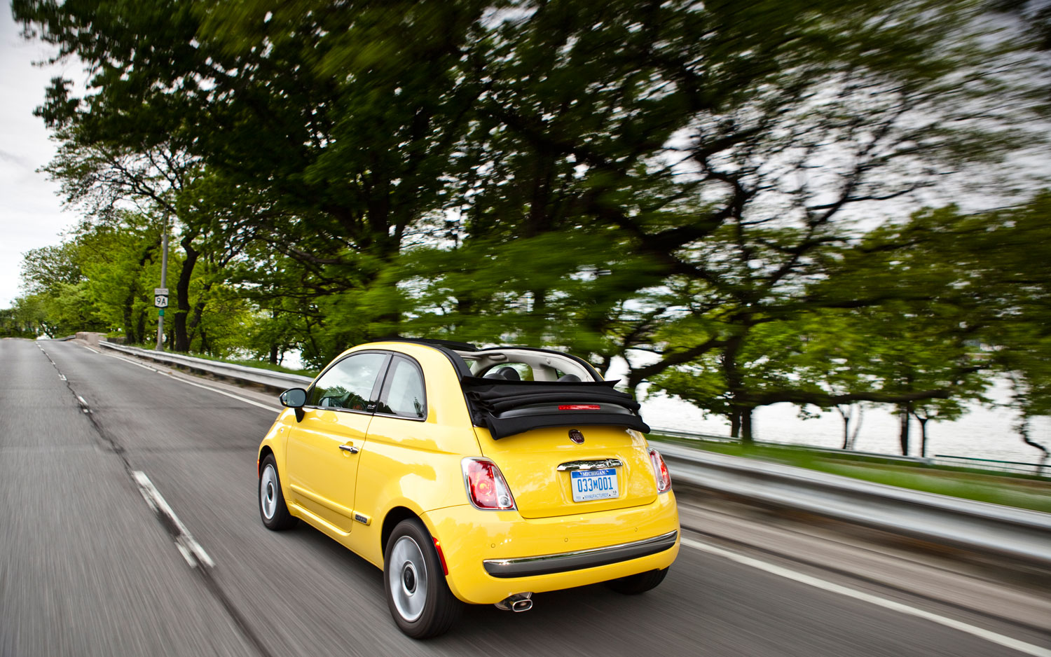 fiat 500 cabrio first drive automobile magazine. Black Bedroom Furniture Sets. Home Design Ideas