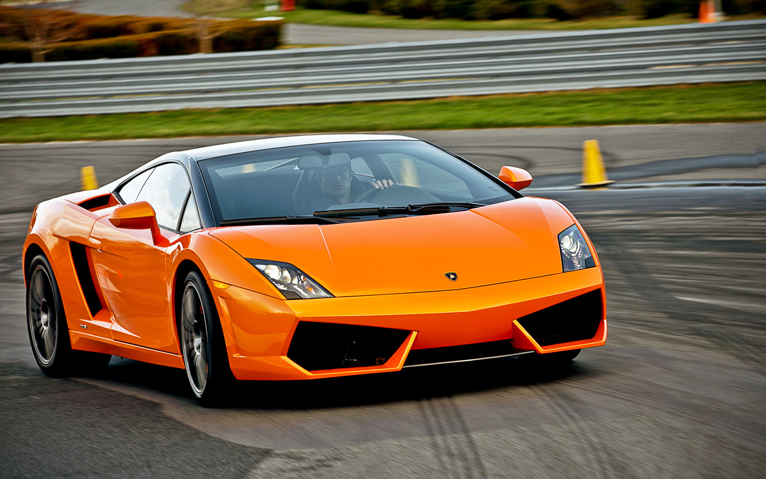 Lamborghini Gallardo Lp550 Bicolore Front Right View3