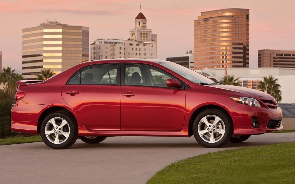 2011 Toyota Corolla3 1024x64011