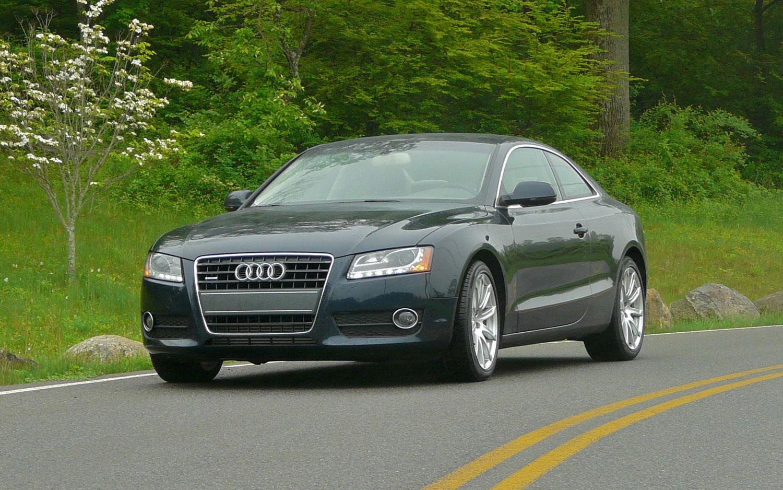 2011 Audi A5 Front Left View3