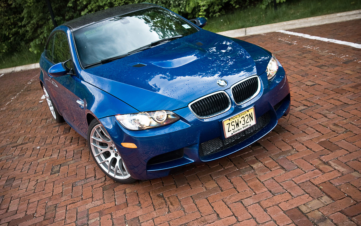 2011 Bmw M3 Coupe Front Right View Parked1