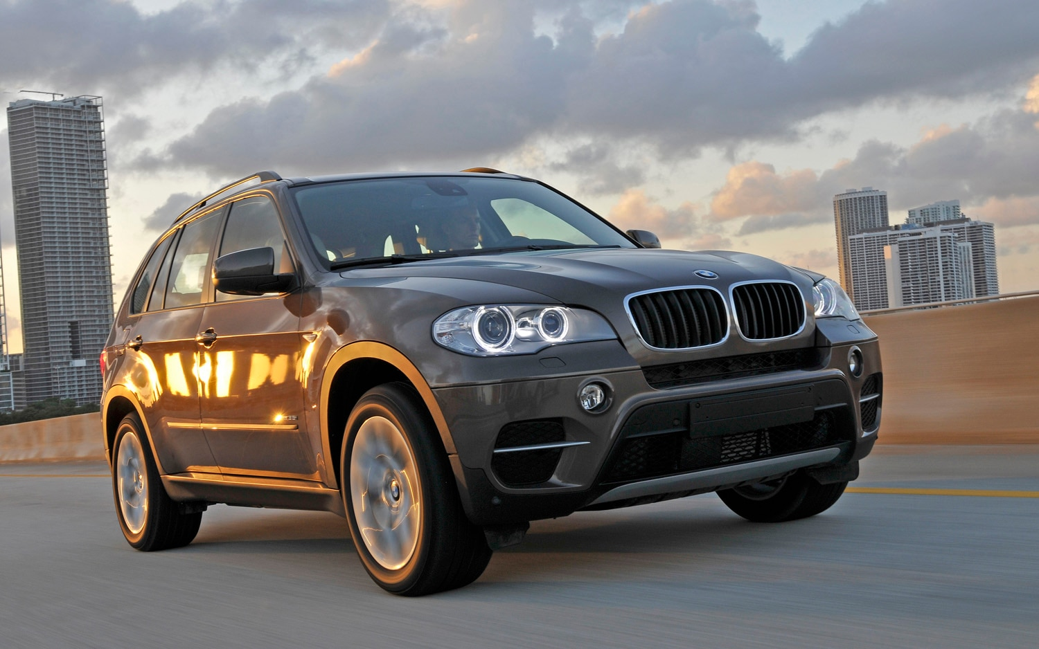 2011 Bmw X5 XDrive35i Front View1