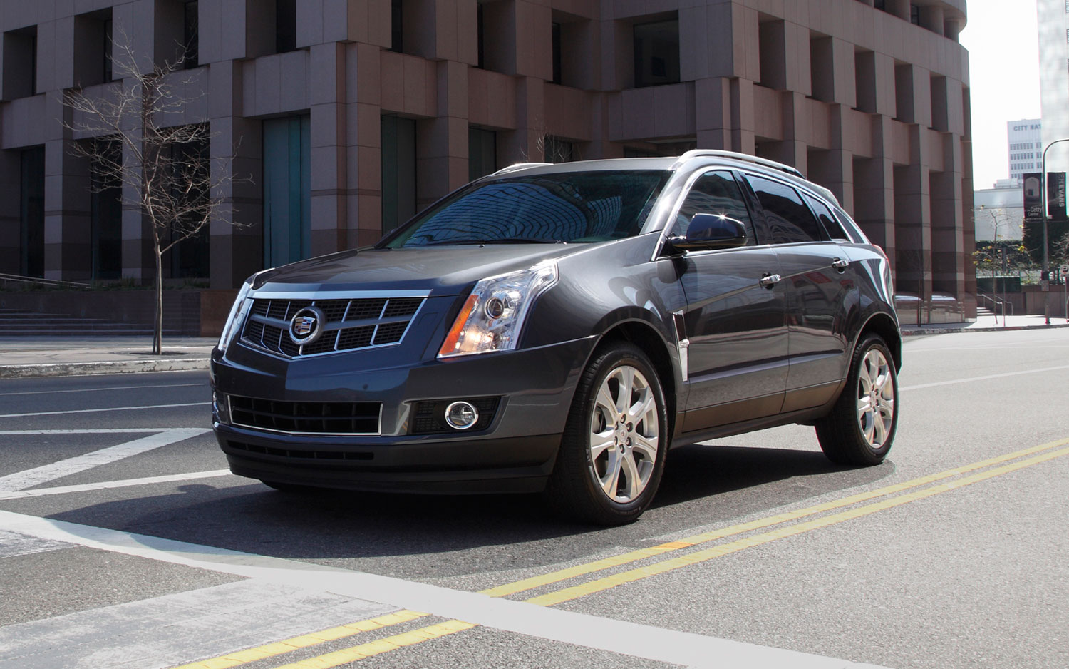 2011 Cadillac Srx Front Three Quarter21