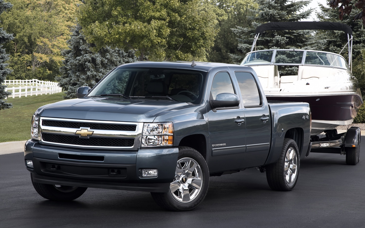 2011 Chevrolet Silverado Ltz Front Three Quarter11