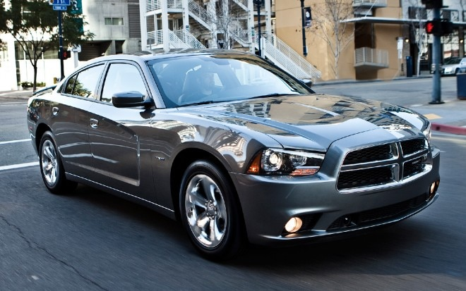 2011 Dodge Charger Front Three Quarters View 21 660x413