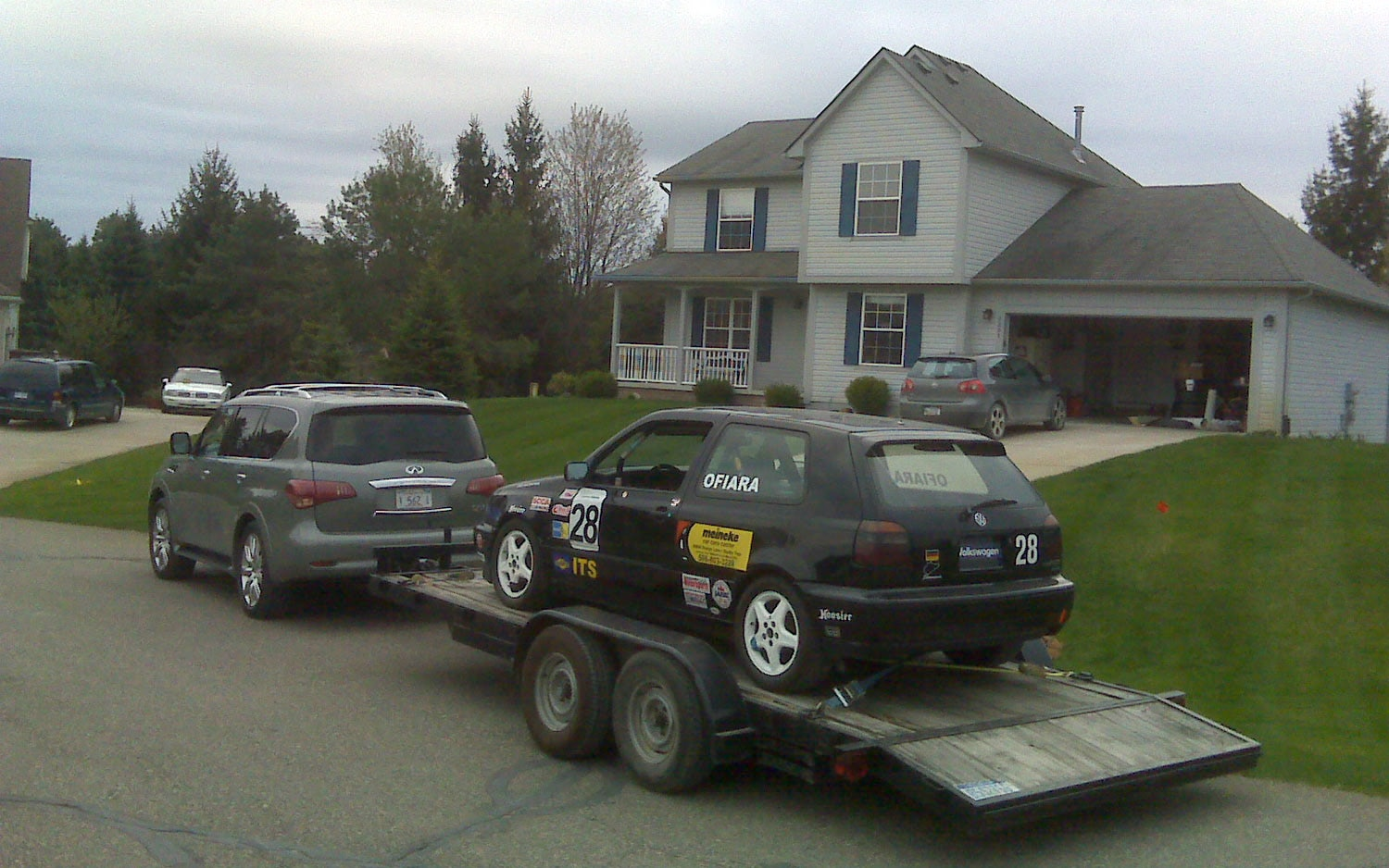2011 Infiniti Qx56 Race Car Towing1