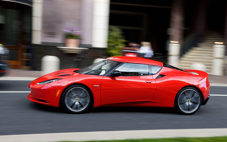 http://st.automobilemag.com/uploads/sites/11/2011/06/2011-lotus-evora-s-red-left-side-view-motion.jpg