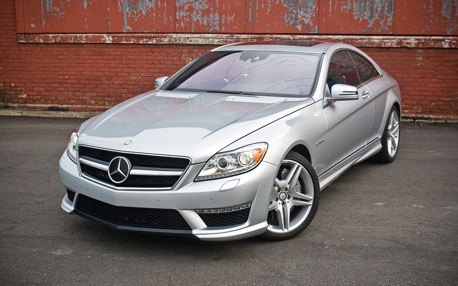 2011 Mercedes Benz Cl63 Amg Front Left View Parked