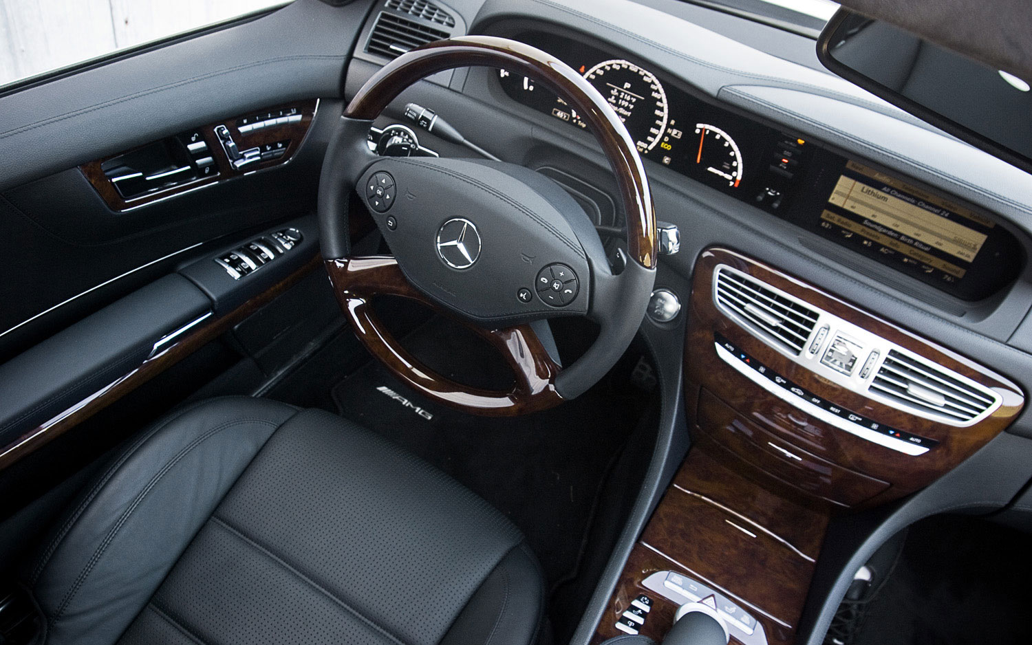 2011 mercedes benz cl63 amg