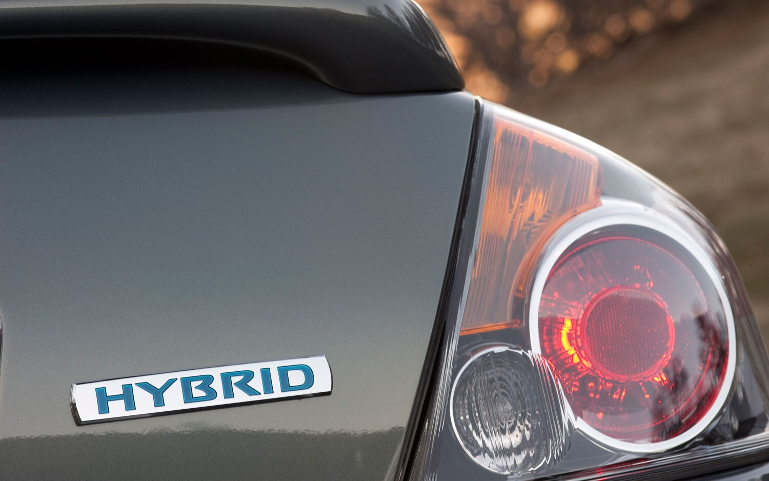 2011 Nissan Altima Hybrid Badge1