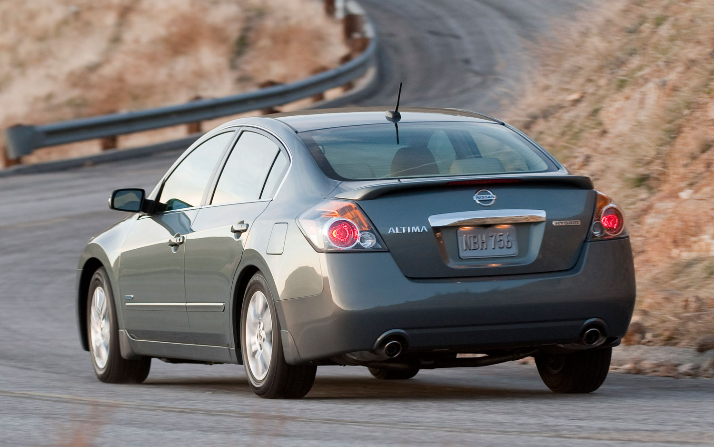 2011 Nissan Altima Hybrid Rear Three Quarter1