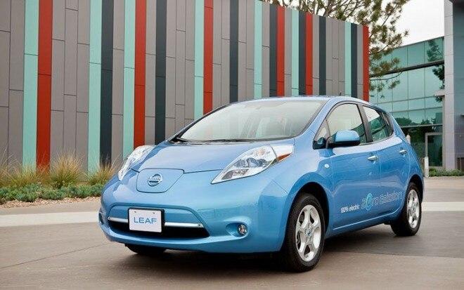 2011 Nissan Leaf Front Three Quarters Static Driver11 660x413