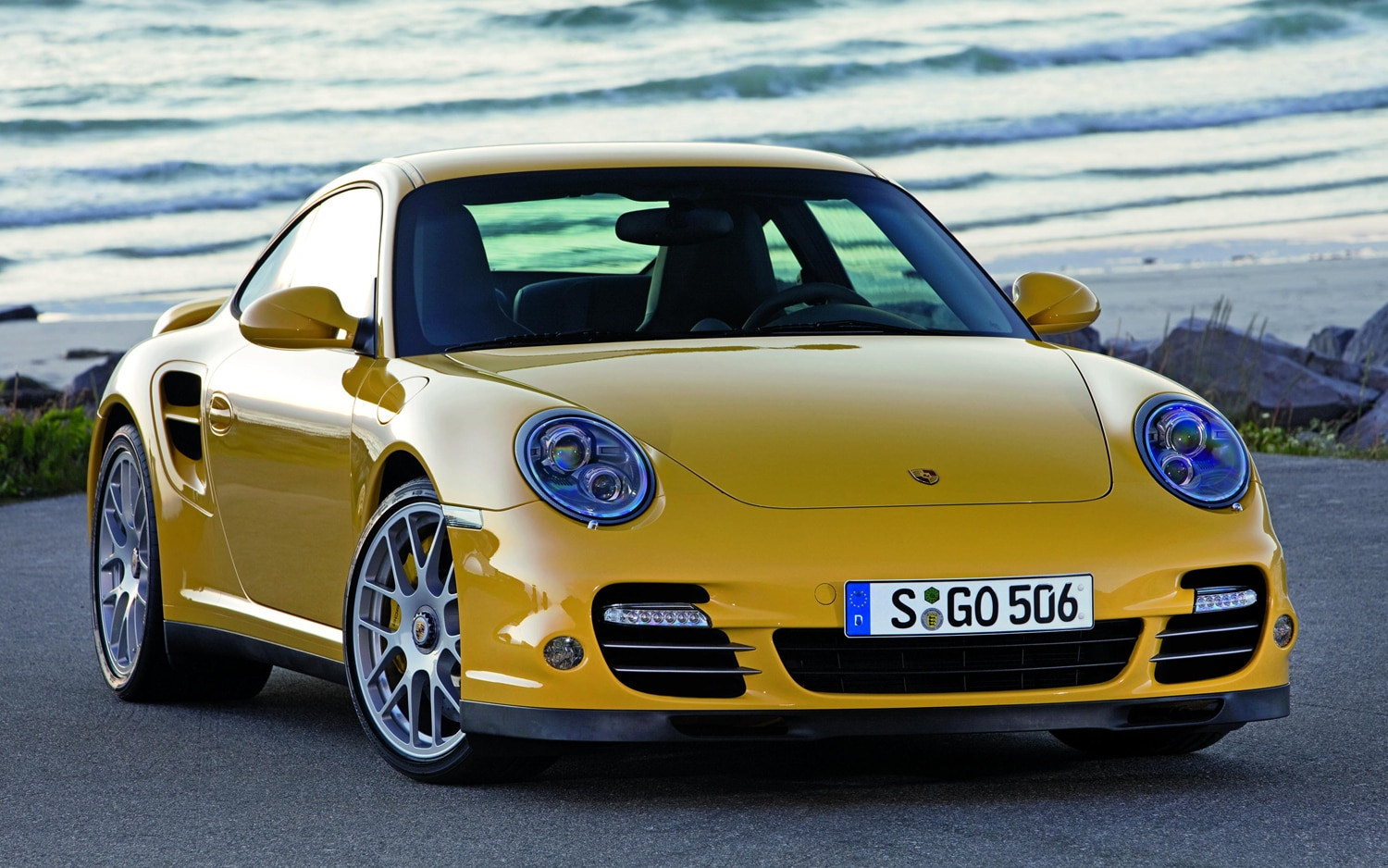 2011 Porsche 911 Turbo S Front Three Quarter1