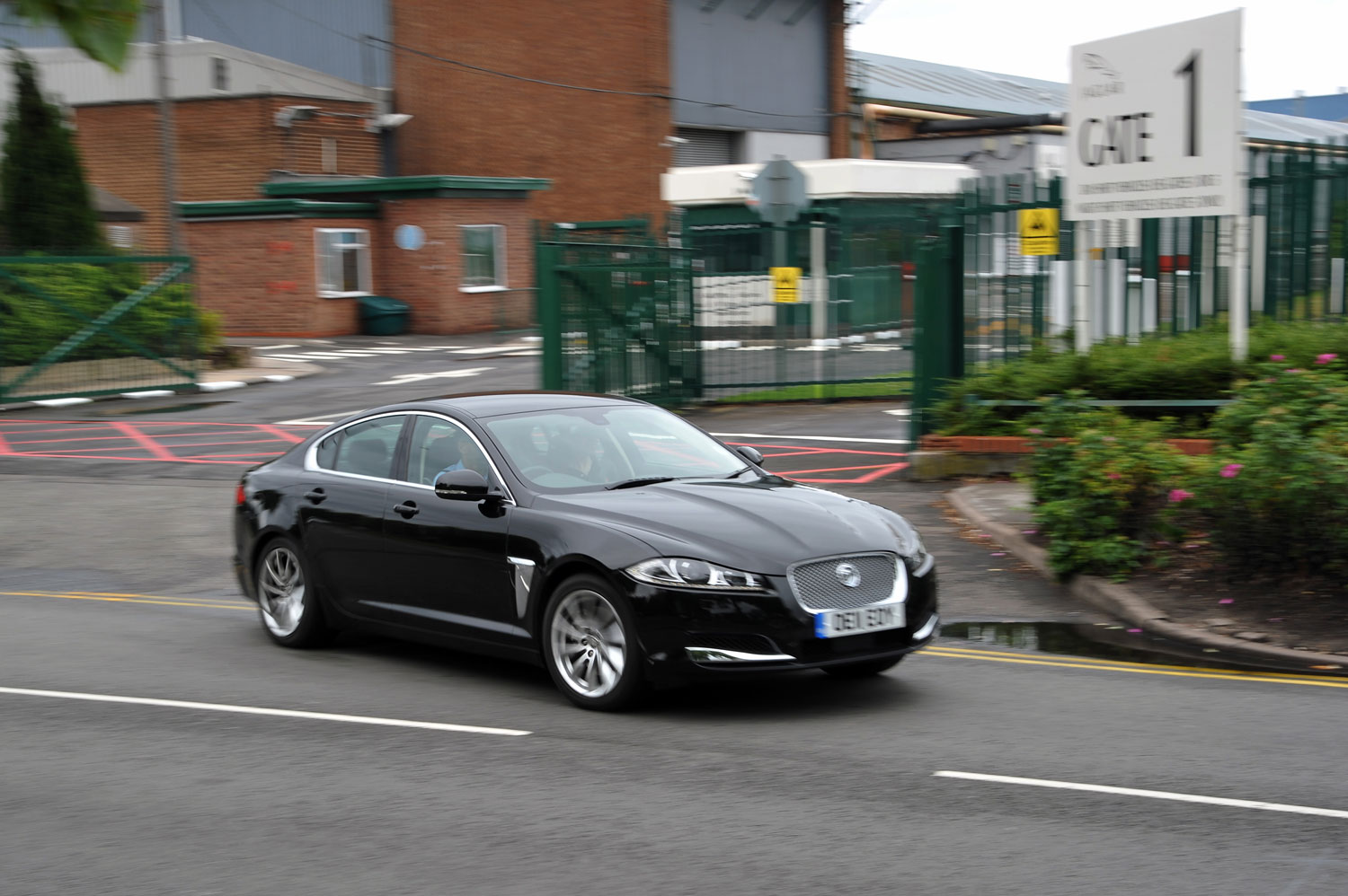 jaguar xf diesel goes from birmingham to munich on one tank. Black Bedroom Furniture Sets. Home Design Ideas