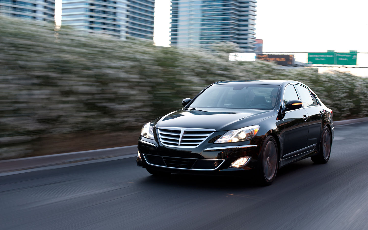2012 hyundai genesis sedan 5 0 r spec first drive automobile magazine. Black Bedroom Furniture Sets. Home Design Ideas