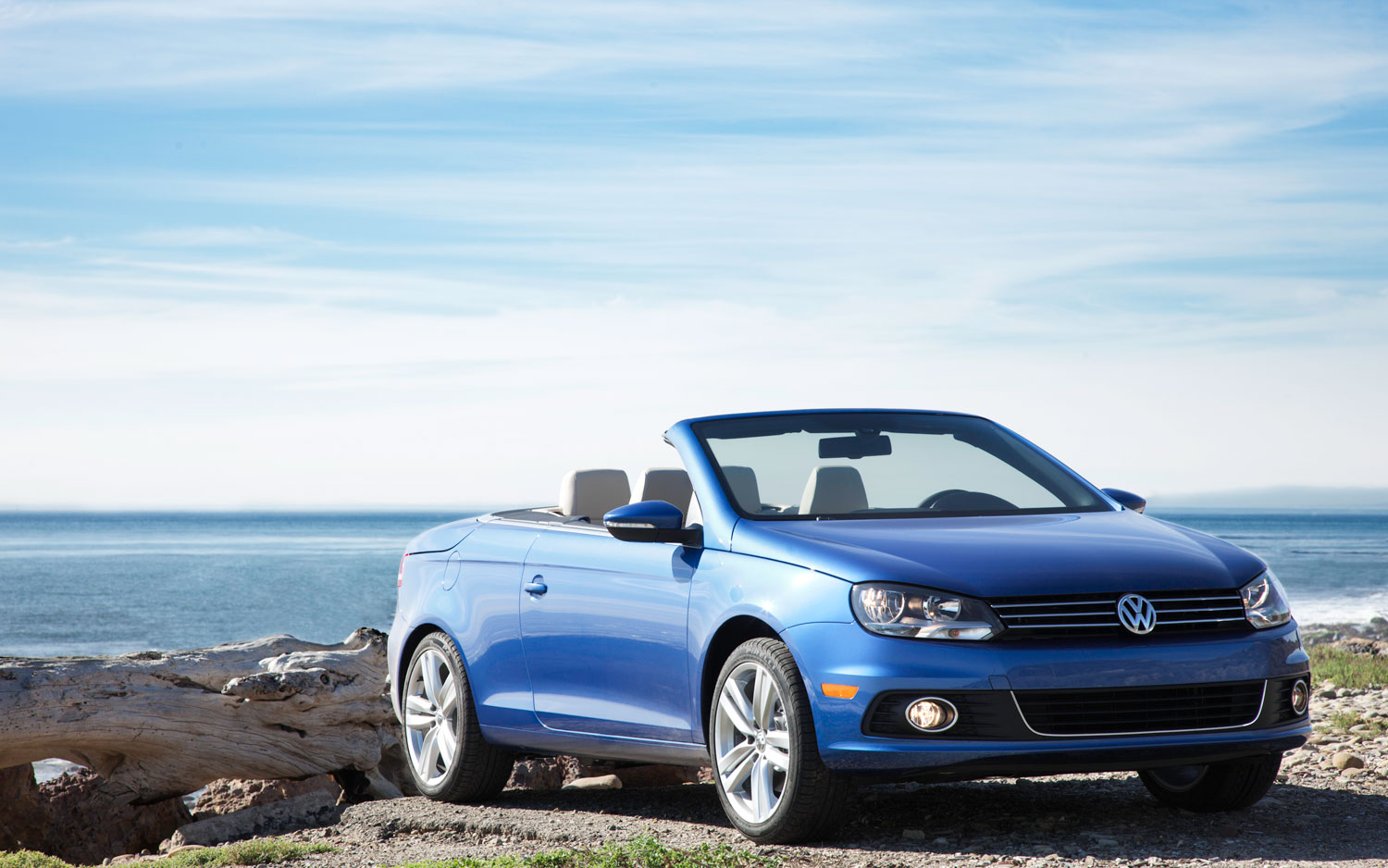2012 Volkswagen Eos Front Right Side View Parked