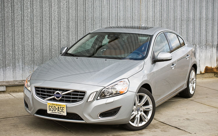2012 Volvo S60 T6 Awd Front Left Side View Parked1
