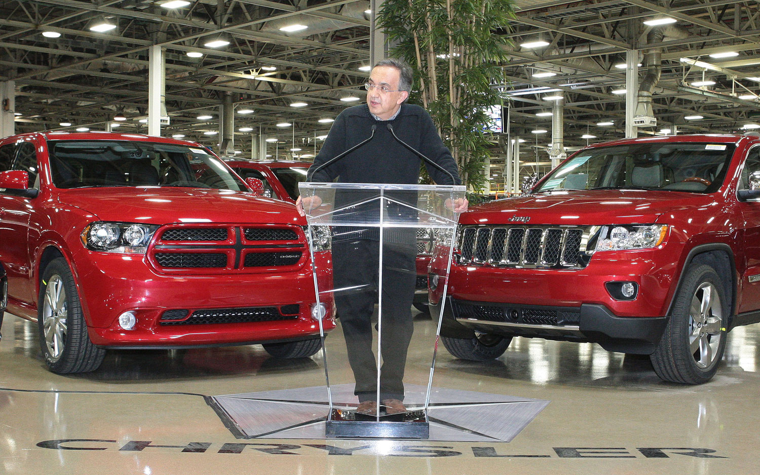 Fiat Buys U S Government Stake Of Chrysler Takes