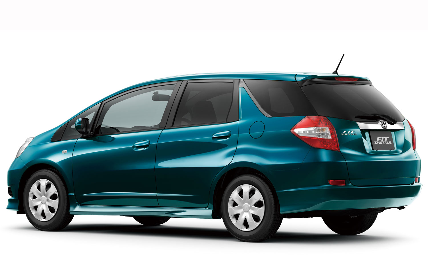 shuttle liftoff honda fit shuttle hits dealers in japan rakes in 7000 orders. Black Bedroom Furniture Sets. Home Design Ideas