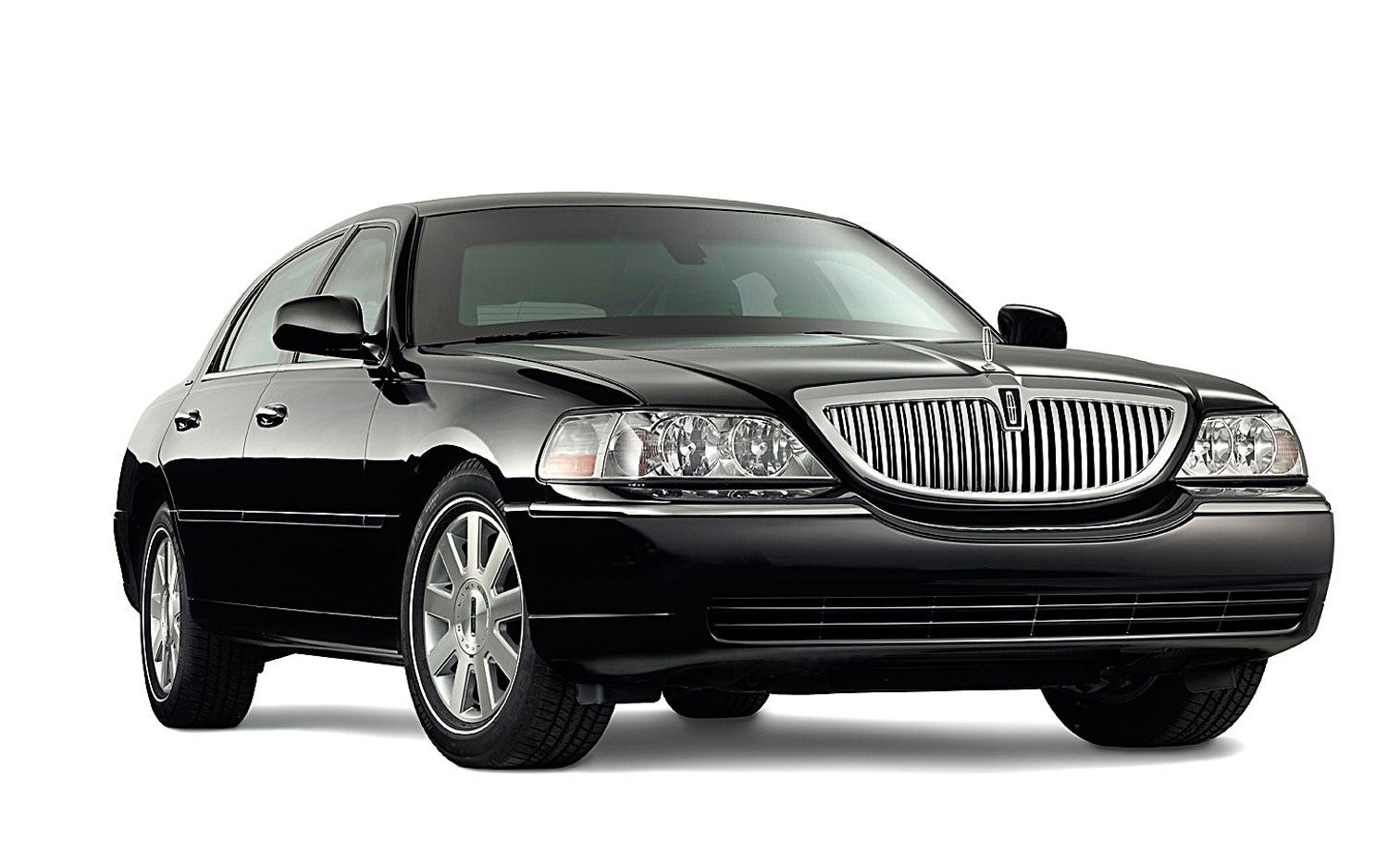 Lincoln Town Car Front Right Side View