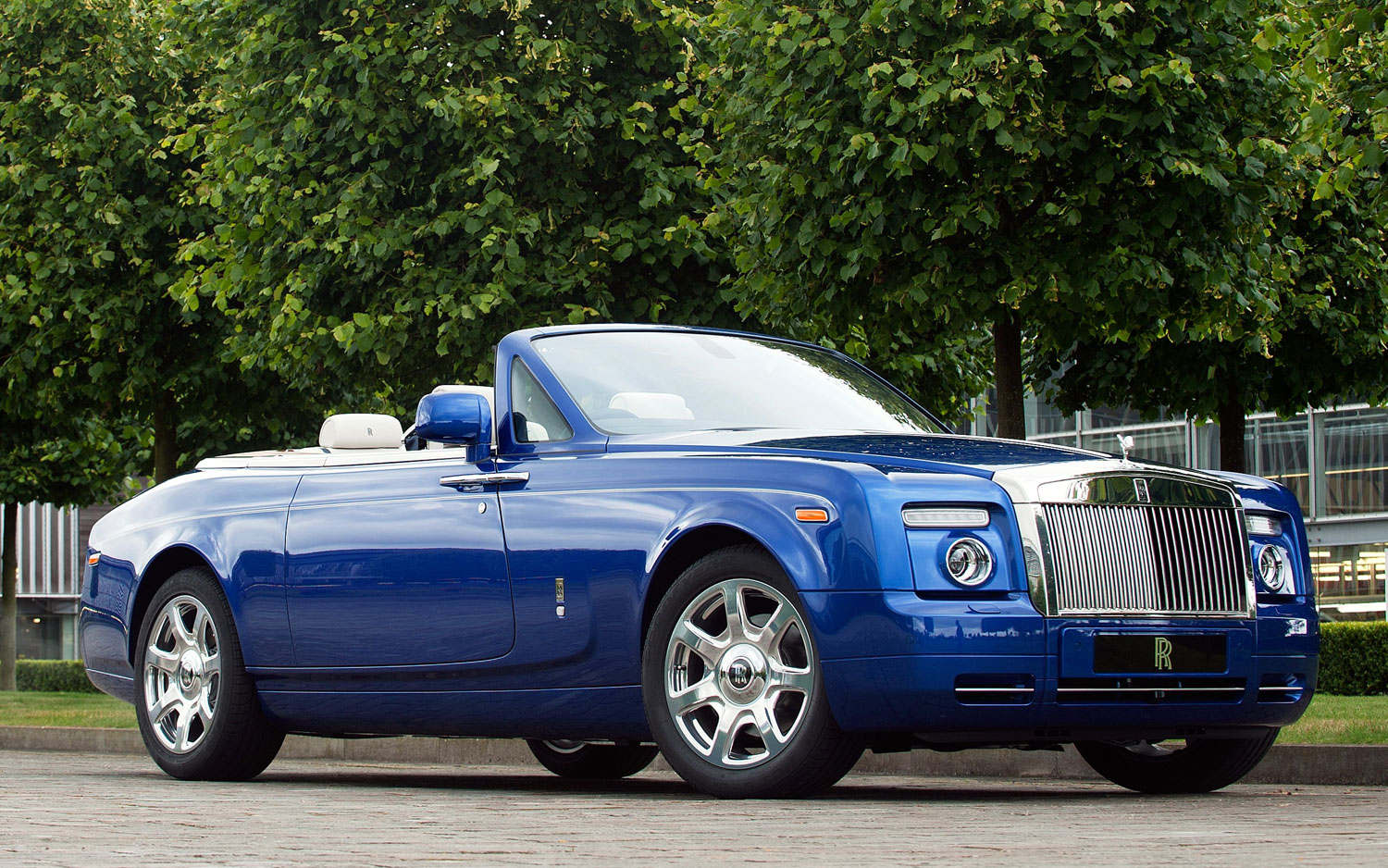 Rolls Royce Masterpiece London Drophead Coupe Front Three Quarter1