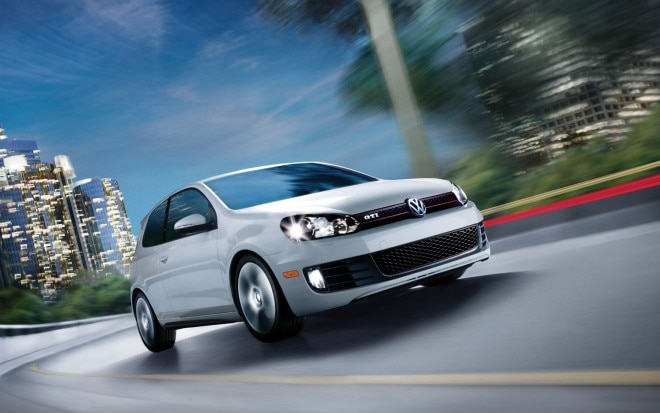 2010 Volkswagen GTI Front Three Quarter1 660x413